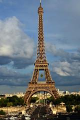 TORRE EIFFEL (VALE photolab) Tags: street paris torre el parigi romantica