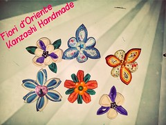 Here some kanzashi : Japanese Flowers made with fabric and glue . You can use them as pins,necklace , brooches, earrings and much more.  Ciao ecco dei kanzashi: fiori giapponesi fatti con tessuto e colla. Puoi utilizzarli come accessori,  spille collane, (fioridoriente) Tags: flowers wedding flores me fleur look fashion handmade moda maiko fabric gift geisha kimono fiori mariage jewels giappone regalo idee cadeau kanzashi accessori fattoamano tsumamikanzashi fioridoriente