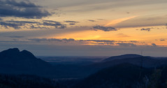 Distant Horizon (Rikardo daVinci) Tags: sunset sun sunlight mountain sunshine weather clouds landscape countryside nationalpark country scenic australia nsw newsouthwales warrumbungles