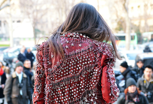 Martelo_Barbara_Balmain_Studded_Safety_Pins_Jacket_biker_street_style_spring_summer_2011_izandrew_blog_com_1