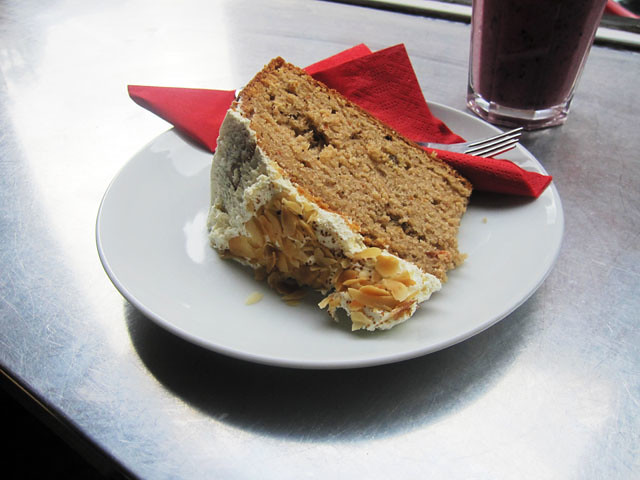 lee rosys carrot cake