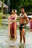 Performance over the Water VI (Beum Gallery) Tags: show umbrella thailand femme performance thaïlande parasol histoire ayuthaya legend floatingmarket homme parapluie ayutthaya spectacle acteur légende actrice acteurs ประเทศไทย หญิง ไทย ตลาดน้ำ พระนครศรีอยุธยา marchéflottant ร่ม อยุธยา ชาย จระเข้ นักแสดง classicalshow ชาลวัน ไกรทอง
