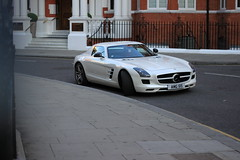 Gullwing. (Harrison Medway-Smith) Tags: uk england white london cars canon eos mercedes harrods knightsbridge exotic mercedesbenz autos rare v8 sls amg supercars 500d harrisonmedwaysmith