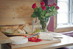 Food! (AChristiansdotter) Tags: roses food rose cheese gteborg yummy nikon gothenburg d90 tamron2875mmf28 287528