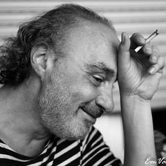 Franck (Lalykse) Tags: 35mm bw emvaphotography franck franckfischer nikond3200 black blanc homme man noir portrait smile sourire white