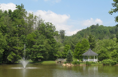 Park and Lake in Blowing Rock NC