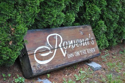 Rowena's Inn on the River