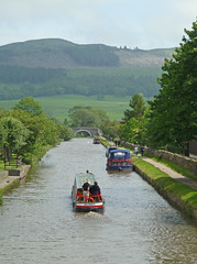 Leeds and Liverpool Canal, Gargrave by Tim Green aka atoach