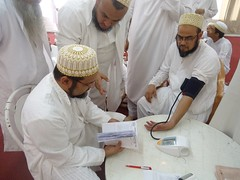 Checking the pressure (Toloba Ul Kulliyat il Mumineen Aden) Tags: medicalcamp