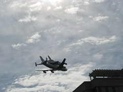 NASA space shuttle over Rosslyn, Va. (Dan_DC) Tags: sky clouds arlington va rosslyn 747 flyover flyby shuttlediscovery nasaspaceshuttleoverflightwashingtondc