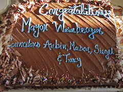 congratulations  mayor.weinberger (origamidon) Tags: usa cake burlington vermont mayor chocolate vt 05401 greenmountainstate burlingtoncityhall chittendencounty origamidon donshall burlingtonvermontusa miroweinberger contoisauditorium