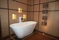"""Ravensbourne2 Bathroom 1 067 • <a style=""""font-size:0.8em;"""" href=""""https://www.flickr.com/photos/77639611@N03/7094093125/"""" target=""""_blank"""">View on Flickr</a>"""
