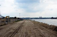 Victoria Deep Water Terminal (John A King) Tags: victoriadeepwaterterminal greenwichthetracksalongsidetheriverherewerepresumablyforriversidecranes