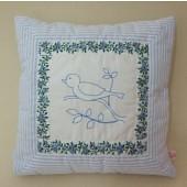 s_almofada_p_ssaro (Slvia Albuquerque Atelier) Tags: artesanato casamento patchwork festa aniversrio decorao presentes mimos bordado acessrios lembrancinhas femininos