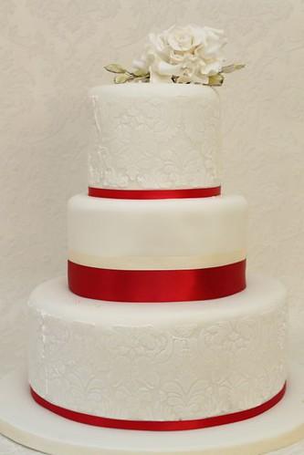V Klassische Hochzeitstorte Weiss Rot Damask A Photo On Flickriver
