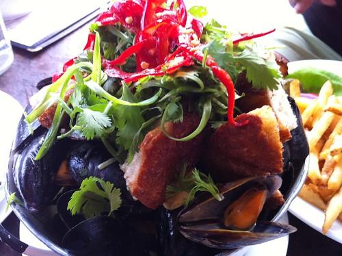 Bucket o mussels