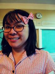 Cute schoolgirl (Super*Junk) Tags: people dinner dolls blythe meet kennedyelementary blythecon