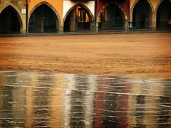 Mercadal reflection (Markus' Sperling) Tags: barcelona rain major lluvia reflect vic catalunya reflejos plaa osona pluja soportales