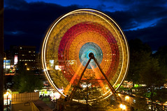 Ferris Wheel (Curtis Gregory Perry) Tags: park motion color wheel tom night oregon river portland de amusement long exposure waterfront ride ferris round cinco mayo  riesenrad willamette rodagigante reuzenrad granderoue pariserhjul    dnmedolap ruedadelafortuna  mccal  ruskkolo   diabelskimyn ruotagigante       panormasrats                     ningbngst ferrishjl