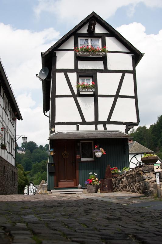Sortie à Montjoie (Monschau) en Allemagne le 5 juin 2011 - les photos 5803619999_de6732f1dd_b