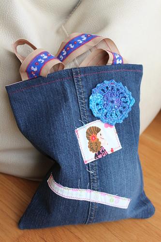 Saco Selvage com roseta em crochet #3