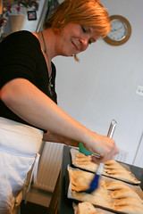 Jo makes empanadillas