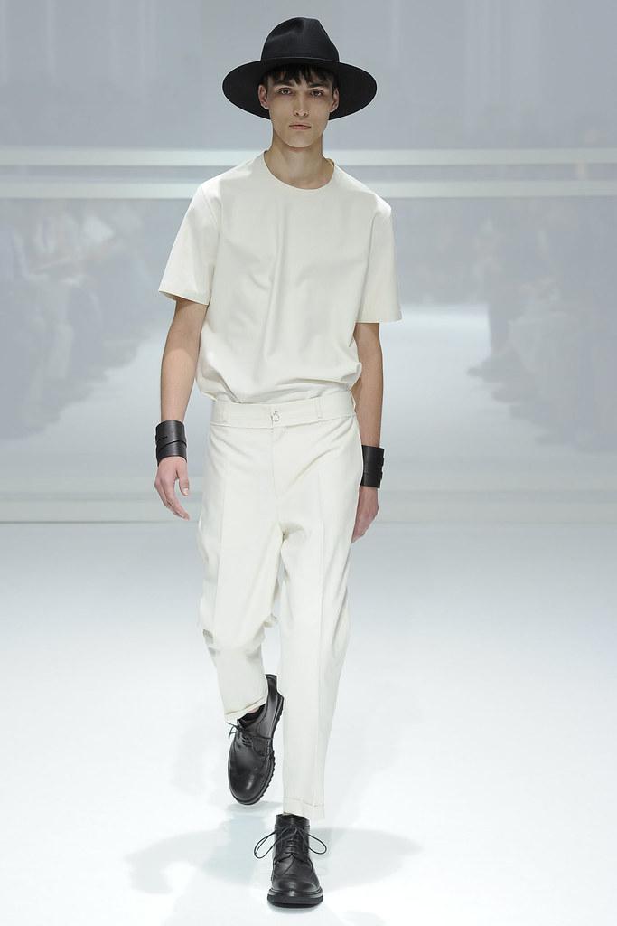 SS12 Paris Dior Homme004(VOGUEcom)