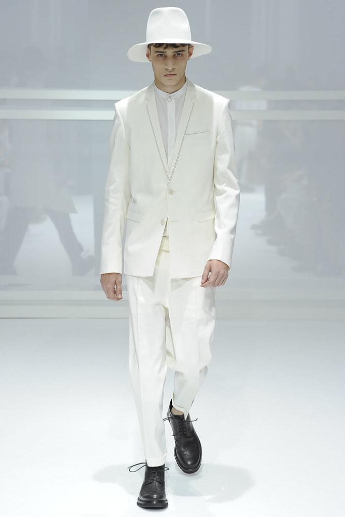 SS12 Paris Dior Homme013_Adrien Sahores(VOGUEcom)