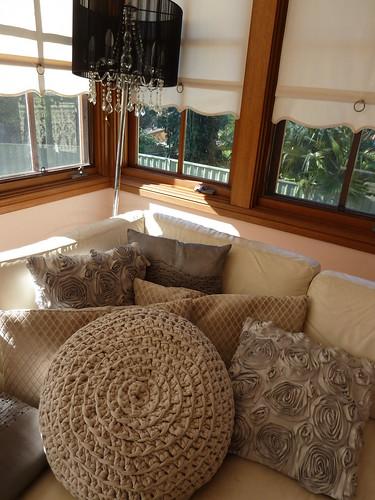 Zpagetti cushion by knitabulous