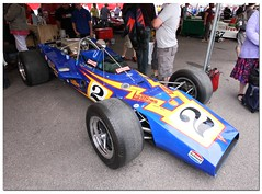 "Al Unser 1970 PJ-Ford ""Johnny Lightning Special"" Indy Car. ""100 Years Indianapolis 500"" Goodwood Festival of Speed 2011 (Antsphoto) Tags: auto uk classic car sussex britain indianapolis historic cart fos motorracing goodwood carshow motorsport speedway irl racingcar chichester autosport champcar indy500 indycar brickyard usac motorcar sigma1020mm indianapolis500 2011 hstoric goodwoodfestivalofspeed goodwoodhouse alunser canoneos40d antsphoto anthonyfosh goodwoodfestivalofspeed2011 gooodwoodhouse 100yearsindianapolis500 100yearsindy500 1970pjfordjohnnylightningspecial"