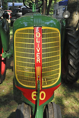 Oliver Row crop 60 nose (Thumpr455) Tags: tractor nc nikon oliver antique row grill crop d200 denton 60 crank southeastoldthreshersreunion