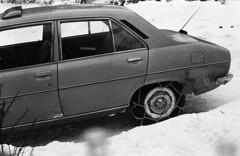 Peugeot 504 (johanw8um) Tags: vintage 70s ilford fp4 oosterhesselen nikkormatel promicrol fp4ilford epsonv550