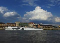 RIVER EMPRESS (Favor-Photo) Tags: barco ship nave duna danube donau danubio budapesthungary haj foly hajk budapestmagyarorszg favorphoto