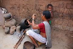 Pottery making in Gudiapara village, Odisha (sensaos) Tags: orissa odisha india travel 2013 sensaos asia woman craft pottery clay traditional ethnic indigenous culture cultural petit métier village