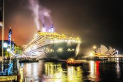 Queen Mary 2 in Sydney (Steven J Markham) Tags: sunrise sydney queenmary2 cunard sydneyoperahouse ilovesydney