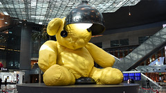 Hamad International Airport Teddy bear by Urs Fischer (StephenG88) Tags: hamadinternationalairport doha doh hia boeing airbus 13thseptember2016 13916 91316 qatar bear teddybear teddy urs fischer lamp qatarairways qr qtr