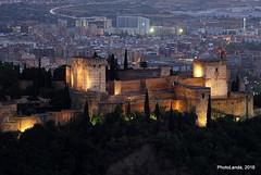La Alcazaba desde el Cerro del Aceituno (Landahlauts) Tags: andalouzia andalusien andalusiya andaluzia   andalusie andaluz andaluzio andaluca    andalousie alandalus andalucia cerrodelaceituno cercadedongonzalo torredelaceituno albayzin albaicin alhambra andalusia sanmiguelalto andaluzja  granada                      alhambradegranada alcazaba alcazabadegranada