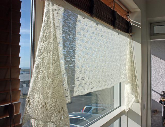 Liliac leaf shawl