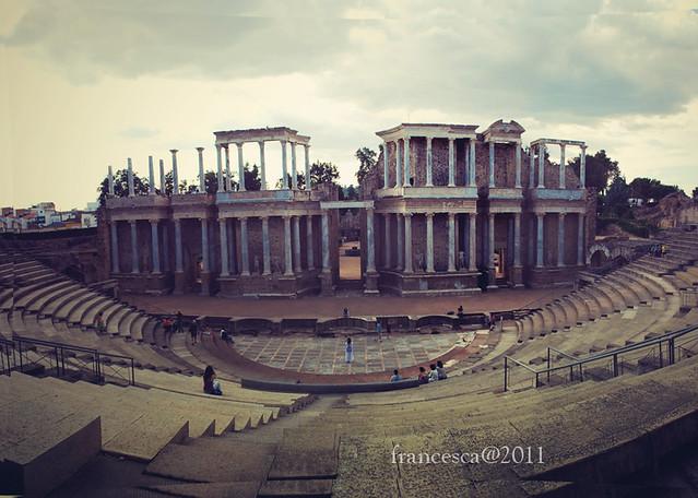 Roman Thatre