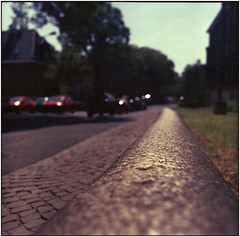 )) (Ulla M.) Tags: pentaconsixtl flektogon5mmf40 mittelformat 6x6 canoscan8800f analog expiredfilm grainy freihand knappscharf umphotoart schärfentiefe analogue film filmschooter analogphotography filmphotography filmshooter