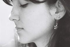 thaís (luizamello) Tags: portrait girl 35mm nikonfm2 ilfordfp4