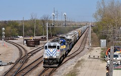 Ghostly (The Mastadon) Tags: road railroad chicago train illinois midwest rail railway trains il transportation locomotive railroads chicagoland douchebag flatlander midwestern 4122012