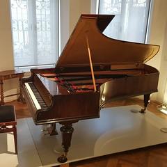Liszt-Flügel-Retz