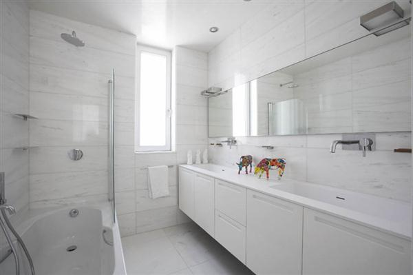 Adamos-Residence-by-Varda-Studio-Face-Washing