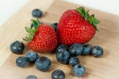 Berries (bellace222) Tags: wood fruit canon berries strawberries 580ex blueberries cuttingboard yongnuo rf602