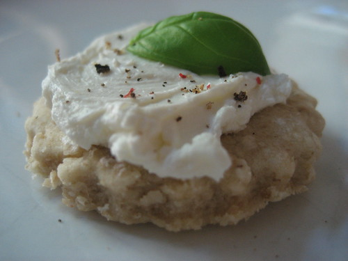 Oatcake with cream cheese, pepper & basil