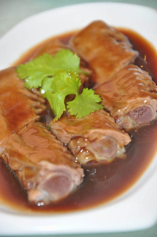 stewed duck wings with soya sauce