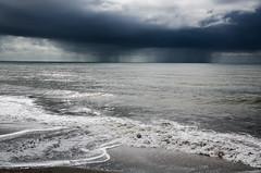(Fabiana Insolda) Tags: sky rain clouds see nikon mare pioggia d7000