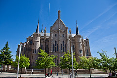Astorga - Gaudi episcopalian palace (JOAO DE BARROS) Tags: barros spain joo astorga gaudi monument architecture