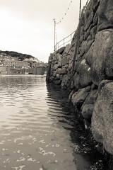 Mousehole wall (rtwbrookes) Tags: mousehole cornwall bay cove breakwater wall bnw blackandwhite